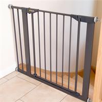Hauck Close n Safe inkl 14cm Verlaengerung Treppenschutzgitter zum Klemmen 597095 Anwendung an Trepp