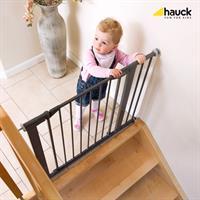 Hauck Close n Safe inkl 14cm Verlaengerung Treppenschutzgitter zum Klemmen 597095 Anwendung mit Klei