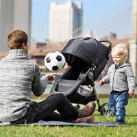 baby jogger CityMini3 Buggy picknick mit papa im park Detailierte Ansicht 08